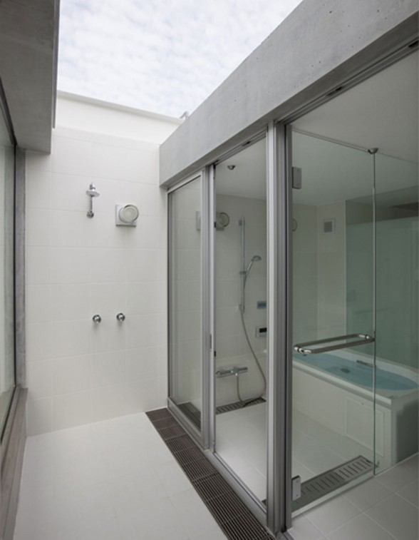minimalist house bathroom interiors