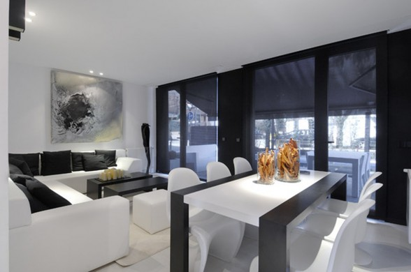 Amazing Black Prefab House Architecture - Livingroom