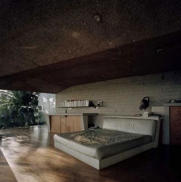 Glass House Architecture by John Lautner - Bedroom