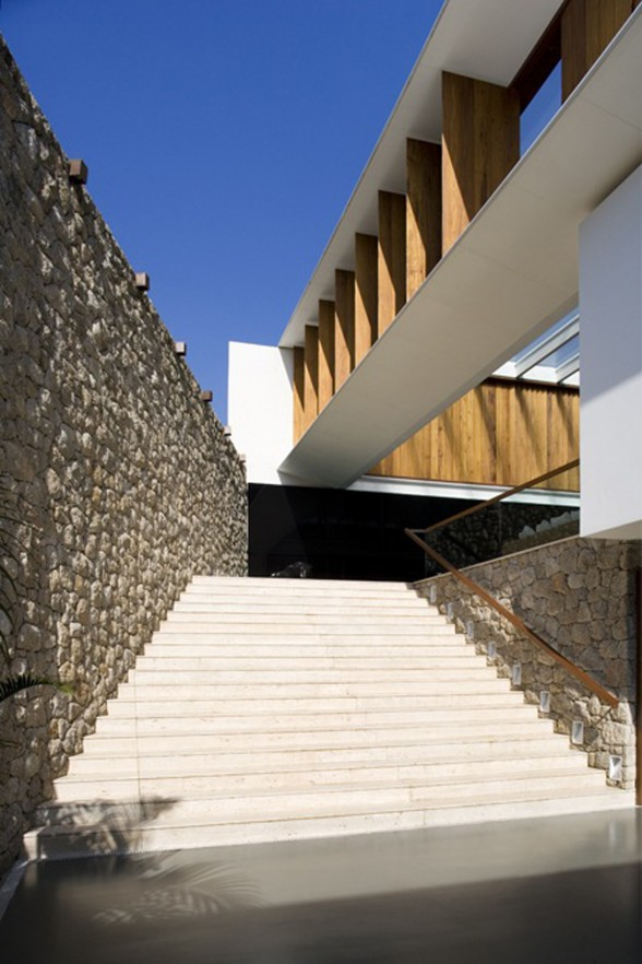JH House, Resort Looking House Design in Brazil - Stairs