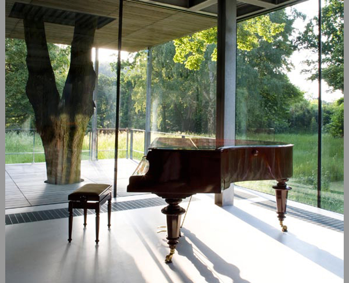 Jodlowa House, A Contemporary Glass House Architecture - Piano