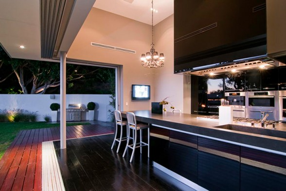 Luxury House Architecture with Outdoor Entertainment Area by Marc Canadell - Kitchen