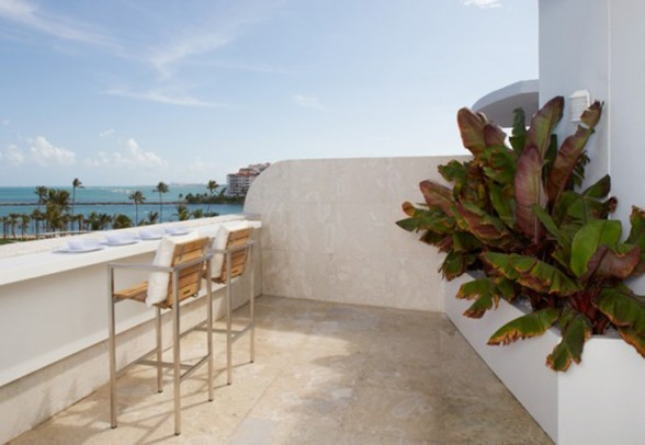 Miami Beach Townhouse by Magdalena Keck - Terrace