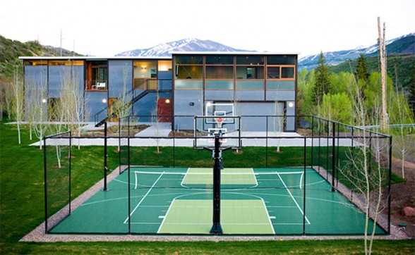 Mountain Prefab House Architecture with Basketball Court in Aspen - Basketball Court