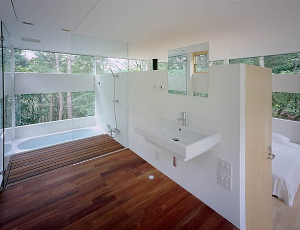The Ring House, Glass House Design by Takei Nabeshima - Bathroom