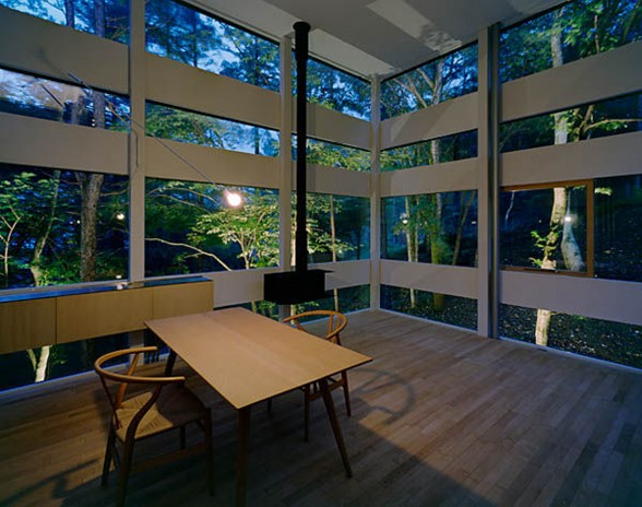 The Ring House, Glass House Design by Takei Nabeshima - Reading Desk