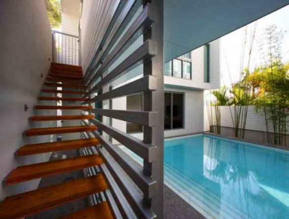 Two Level Beach House Architecture in Australia - Swimming Pool