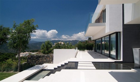 Amazing Landscape in Modern and Luxurious Home Design - Terraces