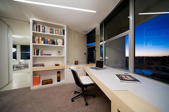 Amazing One Floor Apartment with Stunning Views - Working Desk