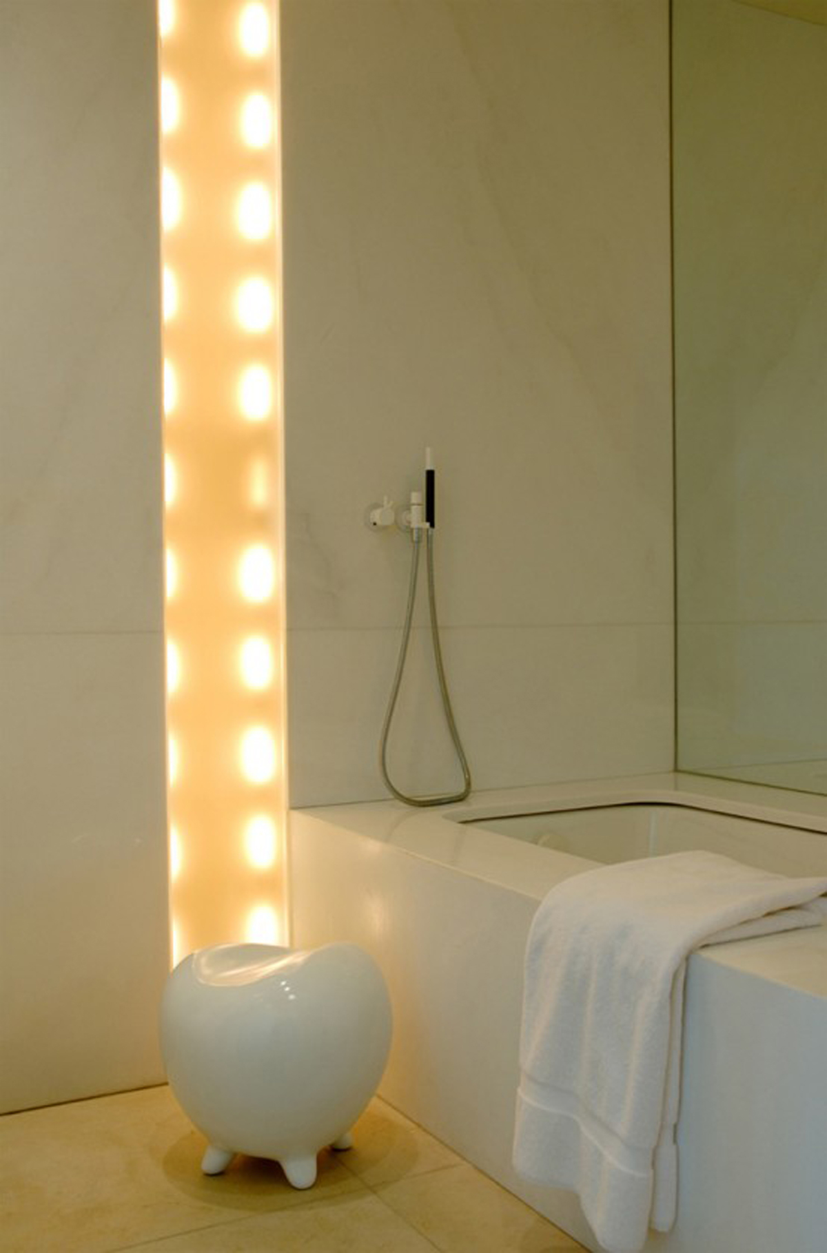 Contemporary and Luxurious Residence from BNOdesign in New York - Bathroom