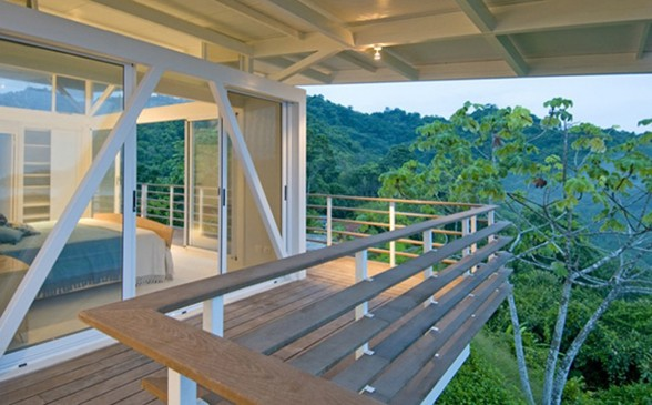 Environmentally Friendly Beach House Design - Balcony
