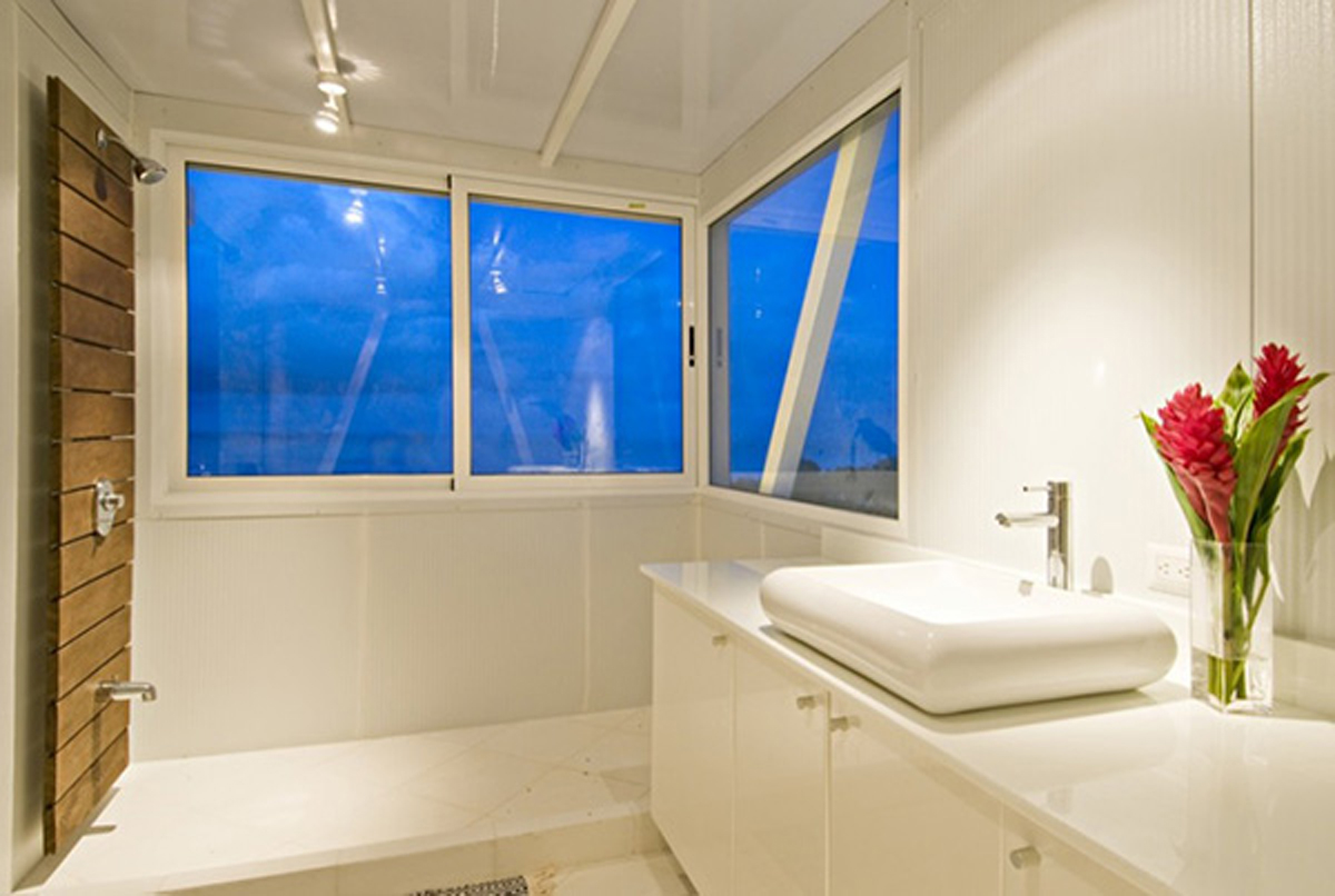 Environmentally Friendly Beach House Design - Bathroom