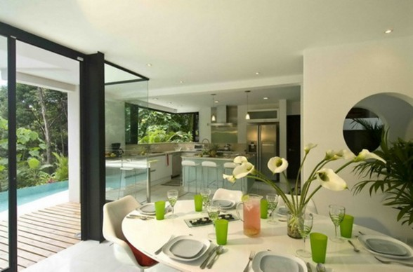Exotic Home Architecture in Costa Rica - Dinning Room
