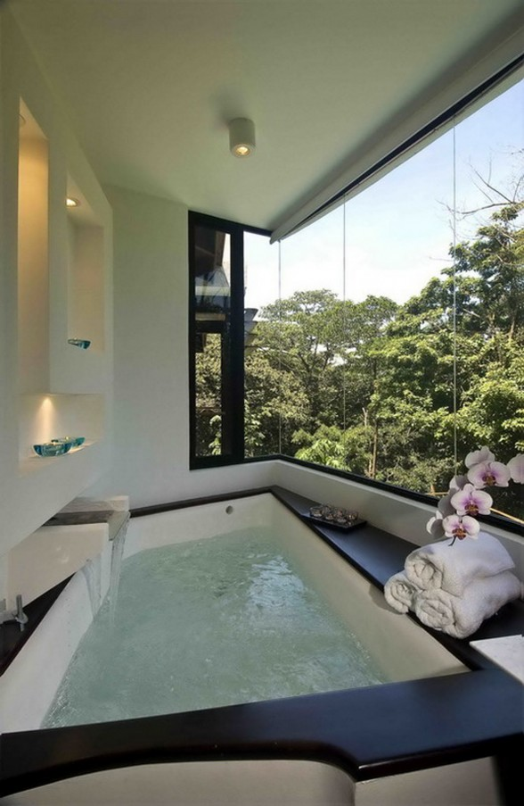Exotic Home Architecture in Costa Rica - Jacuzzi