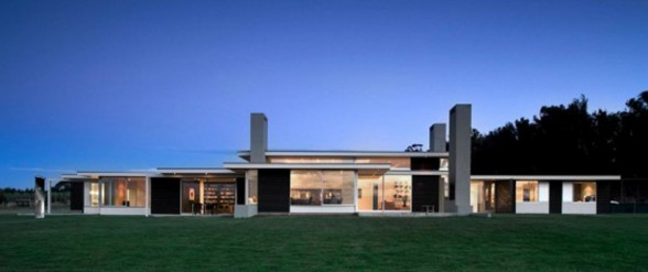 Modern House Design in Boundless Space Area from Parsonson Architects