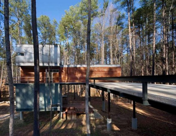 Modern Houses in Forest Environment, A Slop Home Design - Yard