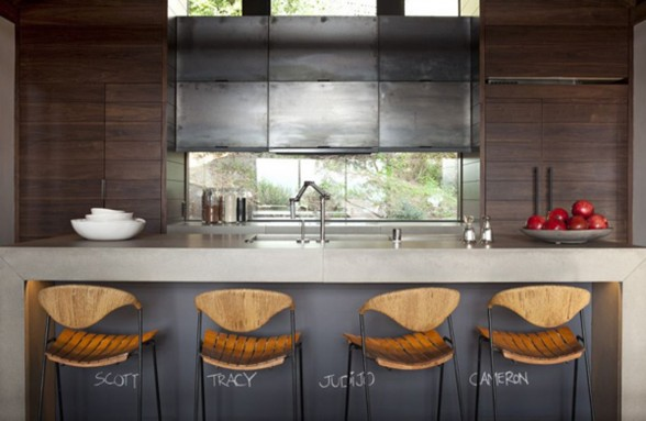 Modern and Eco-Friendly House Design in California - Kitchen