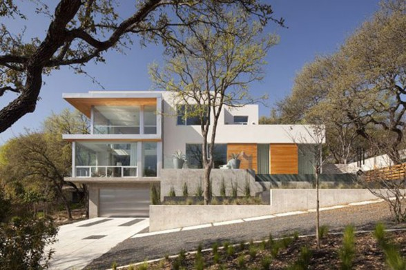 Passive Solar House, Beautiful Contemporary Home Design in Texas - Yard
