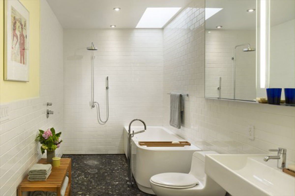 Rooftop Garden in Modern Townhouse Architecture - Bathroom