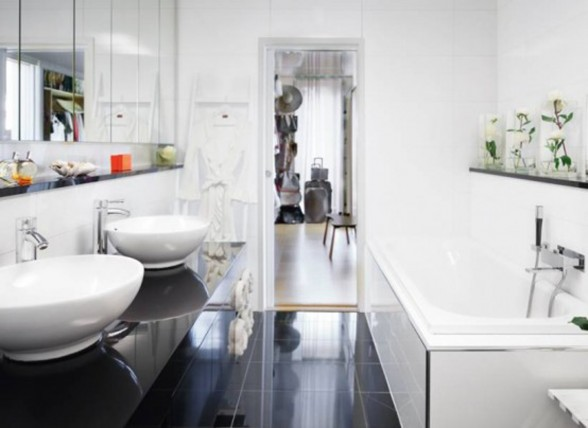 Scandinavian House from Anna Pangs and David Altons - Bathroom