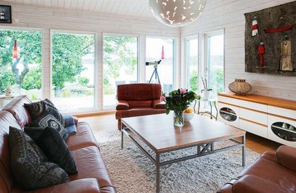 Sweden Lakeside Villa with Contemporary Design and Cottage - Cottage Livingroom
