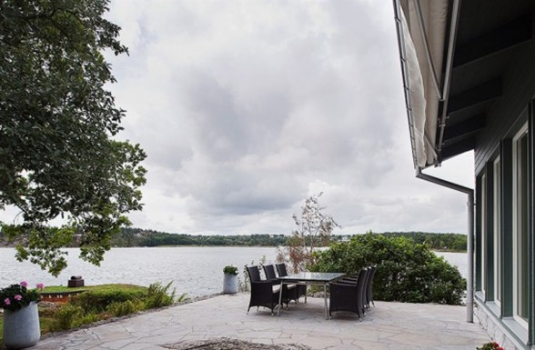 Sweden Lakeside Villa with Contemporary Design and Cottage - Terrace