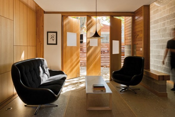 Wooden and Contemporary Australian Eco-House Design - Working Desk