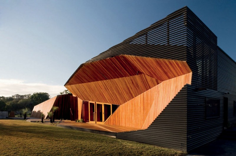 Australian Letterbox House, A Unique Architecture From McBride Charles Ryan