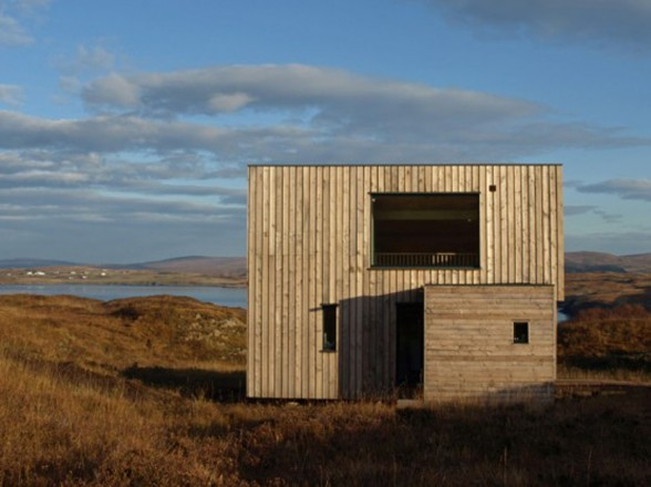 Fiscavaig Holiday House, Scottish Small House Design - Back View