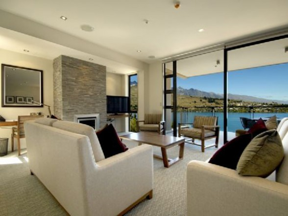 Great Views of Wakatipu Lake in Luxury Apartment Ideas - Architecture