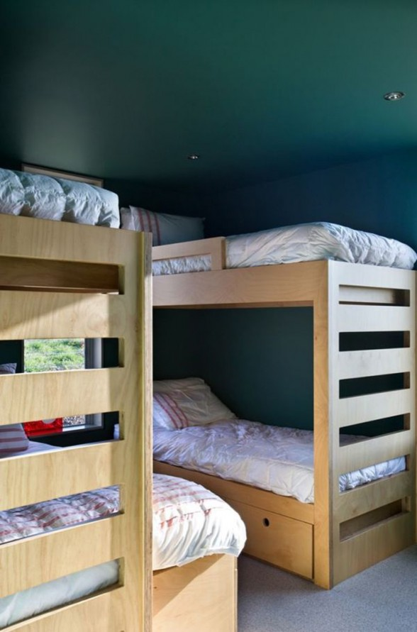 Holiday House Design with Modular Architecture from Parsonson Architect - Bedroom