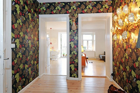 Three Rooms Apartment Diverse with Homey Interior - Wall