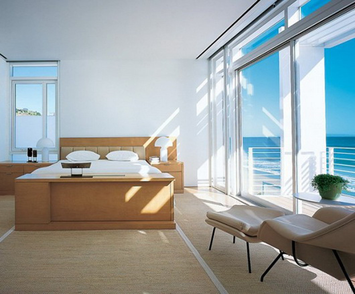 Beautiful White Residence in California Beach by Richard Meier and Michael Palladino - Bedroom