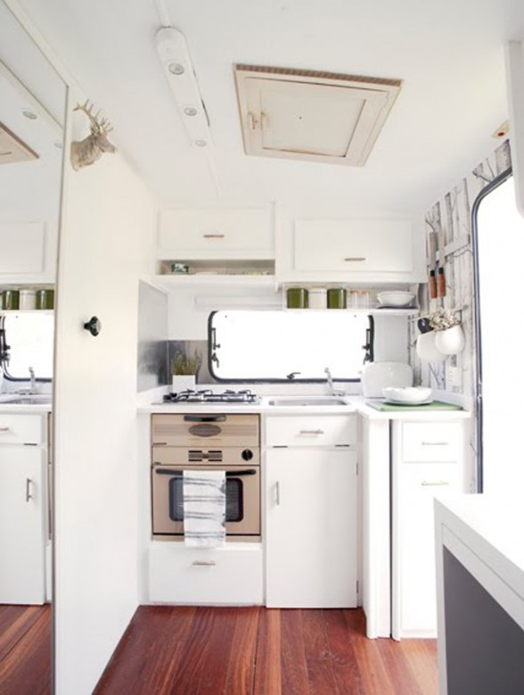 Extremely Cool Caravan Interior Design, Creative Work from Caravanolic and Viceversa Interior - Kitchen
