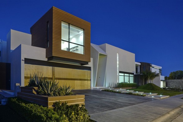 Marvelous Sculpture House Design in Juarez Mexico by Arquitechtura