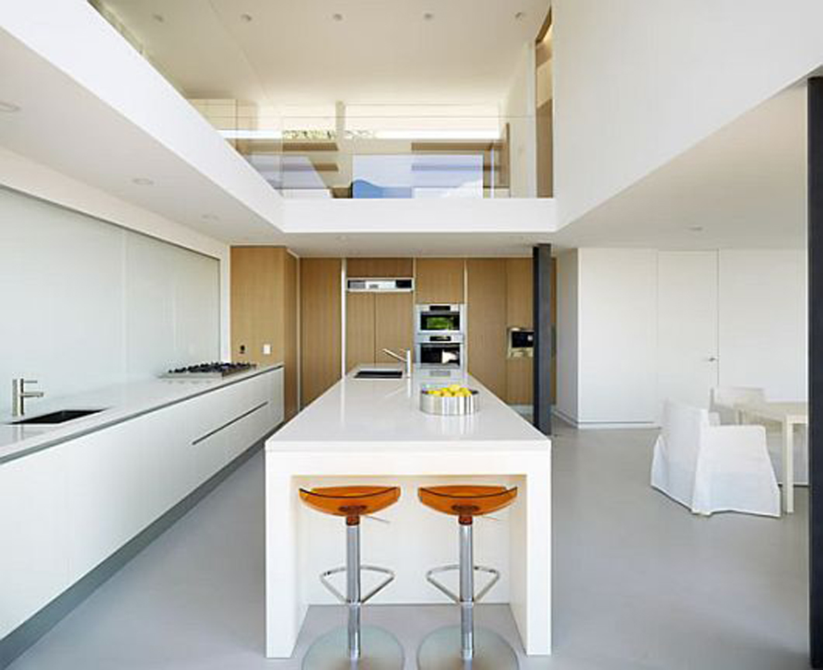 Modernity and Luxurious House Design in Exquisite Residence, the Evans House - Kitchen