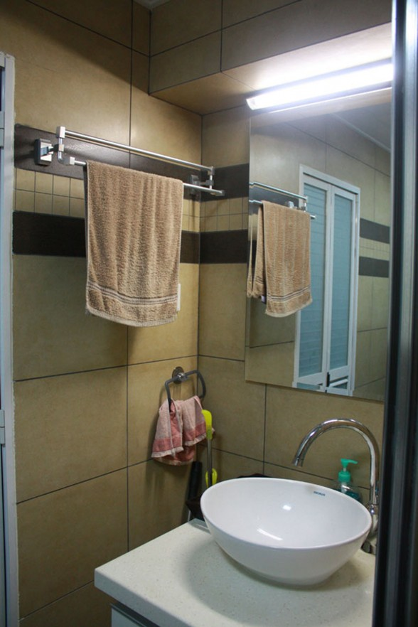 Small and Warmth Apartment Design in Xiamen - Bathroom