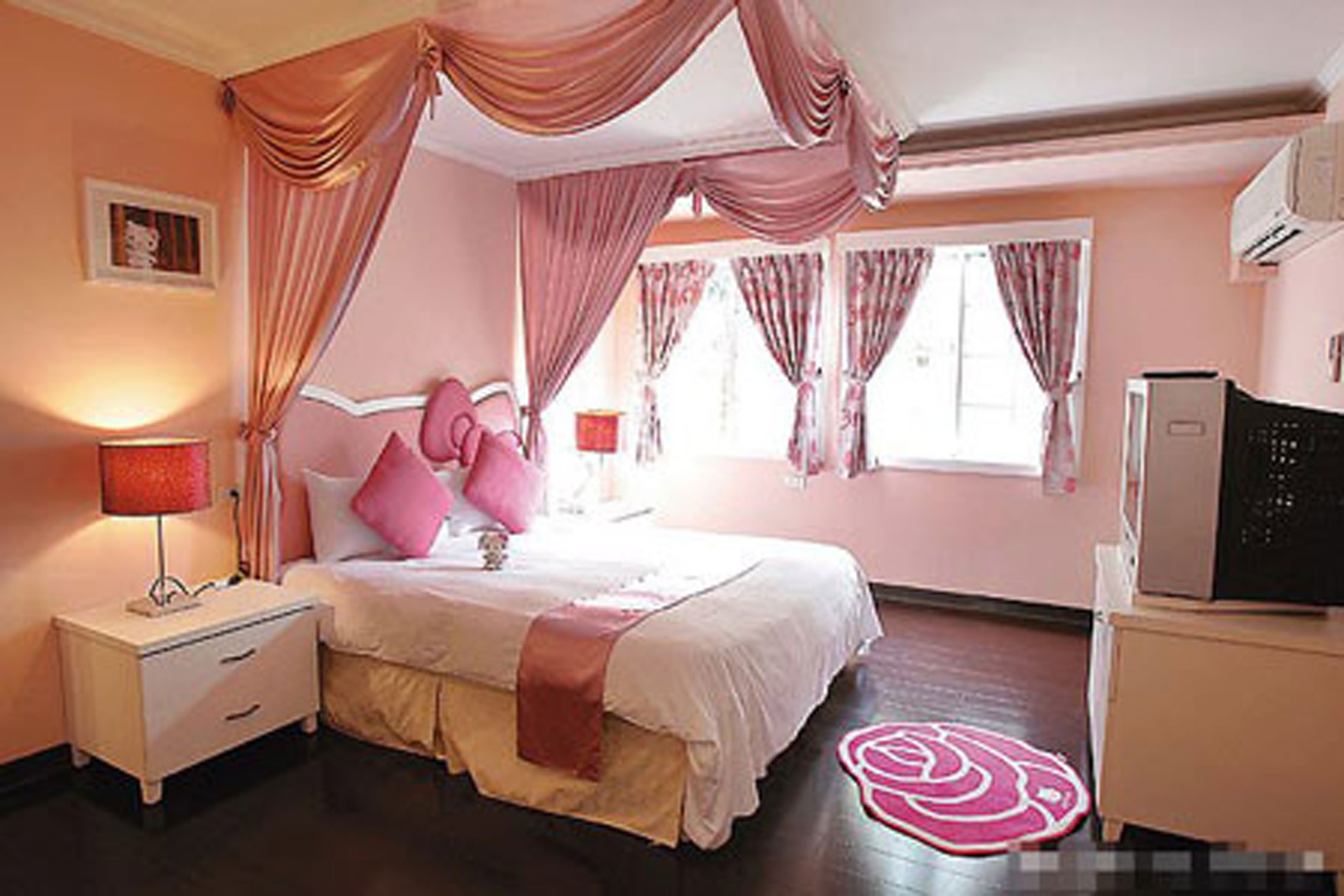 Another Fairy Tale House Design, The Hello Kitty   Bedroom » Viahouse.