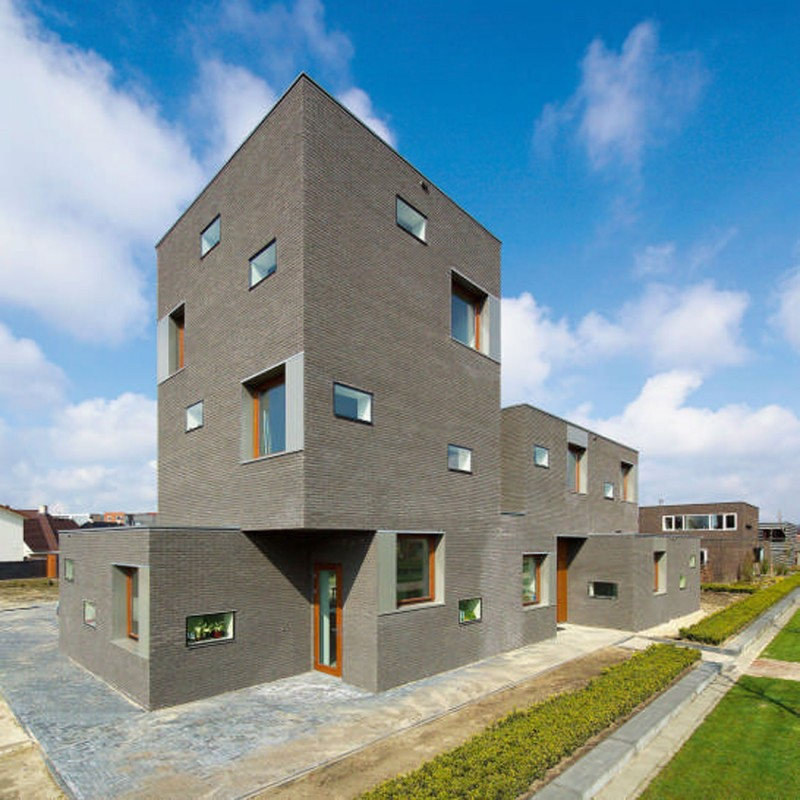 Brick House Architecture With Two Faces In Netherlands