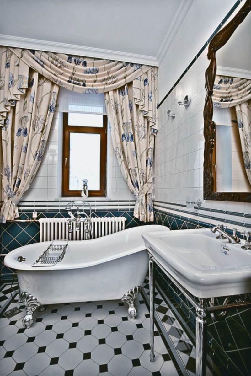Classic And Elegant Apartment With Floral Decoration In Moscow Bathroom