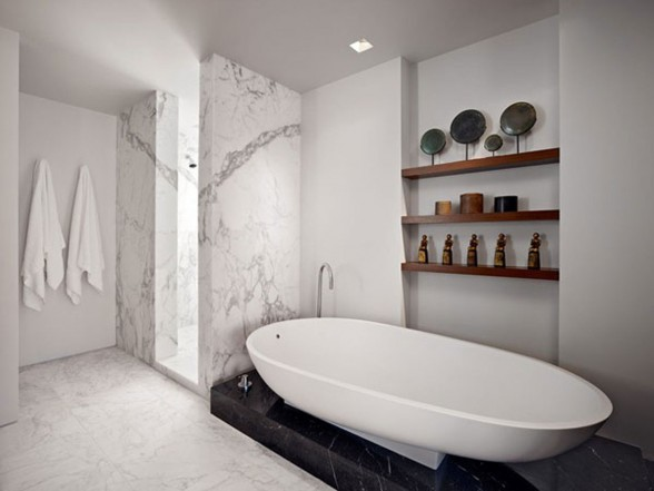 Elegant Apartment for Young Professional - Bathtub