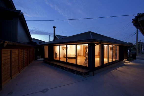 Japanese Pentagonal House, Beautiful Modern and Traditional Mixing
