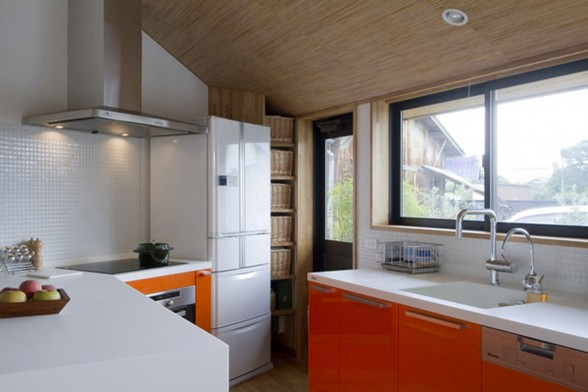 Japanese Pentagonal House, Beautiful Modern and Traditional Mixing - Kitchen