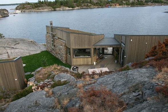 Lakeview Cottage, Small and Beautiful House Design in Norway - Backview