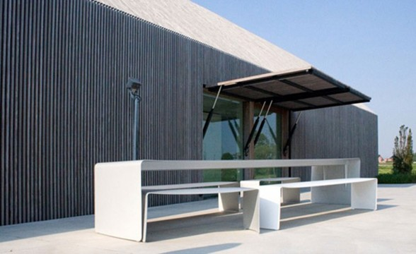 Modern Home Design, Sustainable Barn House Shaped - Outdoor Dining Table