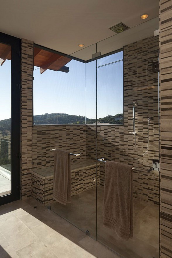 Rock Mountain House, Fabulous Design by Dick Clark Architecture - Bathroom