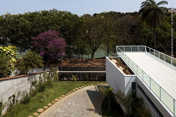 Unusual Architecture from A Modern House in Brazil - Rooftop
