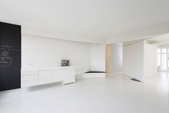 White Apartment Design, Spacious Living Space Ideas