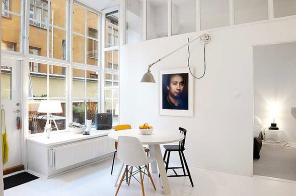 Apartment For Sale with Modern Style in Stockholm - Dining Table