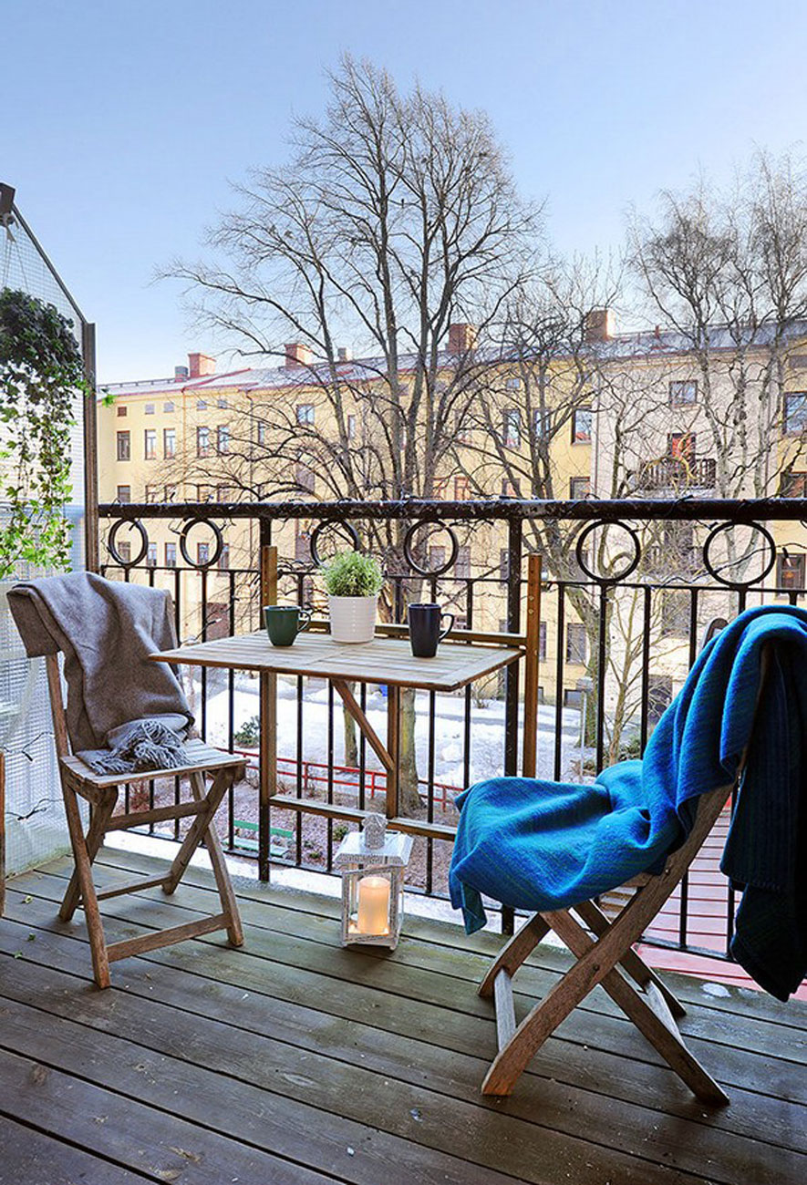 Beautiful Contemporary Style of Gothenburg Apartment - Balcony